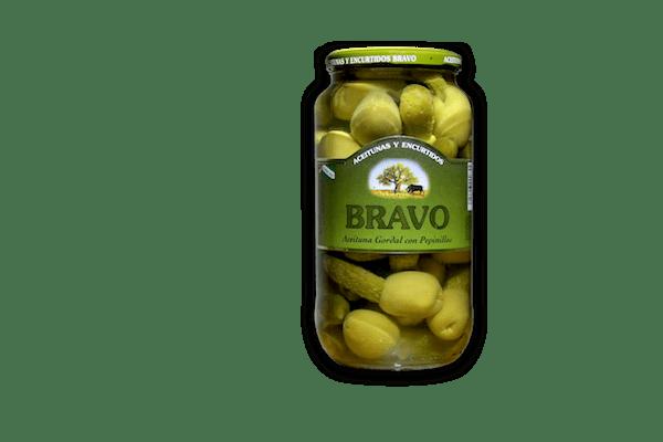 Aceitunas Violadas, se conocen por aquí así, aunque su nombre es Kimbo, las aceitunas gordal rellenas de pepinillos. Las aceitunas gordal es característica en todo el mundo por su tamaño,sabor y color.